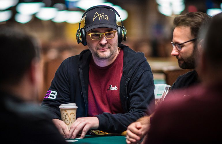 Phil Hellmuth e già out!